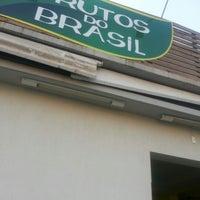 Photo taken at Frutos do Brasil by Mia A. on 10/30/2012
