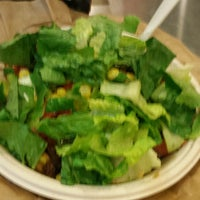 Photo taken at Qdoba Mexican Grill by Jess Y. on 11/6/2014