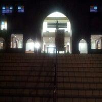 Photo taken at IIUM Darul Hikmah Library by Najeehah U. on 3/22/2013