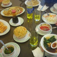 Photo taken at Chifa Kam Mey My by dane g. on 4/30/2016