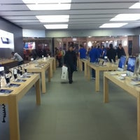 Photo taken at Apple Store, Short Hills by Issa W. on 10/16/2012