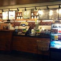 Photo taken at Starbucks by Mesut K. on 5/20/2013