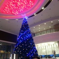 Photo taken at Pullman Shanghai Skyway Hotel by Kirill on 12/18/2012