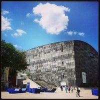 Das Foto wurde bei MuseumsQuartier von Alina P. am 7/19/2013 aufgenommen