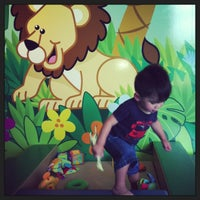 Photo taken at Hawaii Children's Discovery Center by Phitsbou B. on 7/3/2013