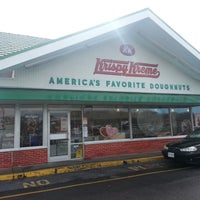 Photo taken at Krispy Kreme Doughnuts by Tony T. on 2/8/2013