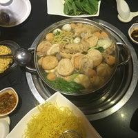 Photo taken at Nhà hàng lẩu Soa Soa by 🍃🌺🍃 MY KHANH 🍃🌺🍃 on 4/18/2016