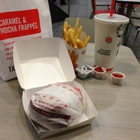Photo taken at Burger King by Bakhtimurod A. on 8/13/2013
