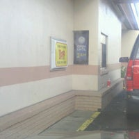 Photo taken at Wendy's by Mark B. on 4/1/2013