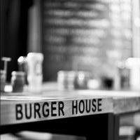 Photo taken at Burger House by Yunus on 11/10/2012