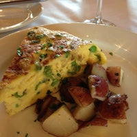 Photo taken at Joe's Restaurant by Robin P. on 5/4/2013