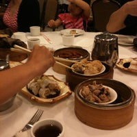 Photo taken at Qin Dynasty Seafood Restuarant by Papa B. on 7/6/2013