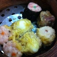 Photo taken at Mandarin tea garden by Orman 🐸 M. on 8/22/2011