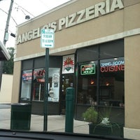 Photo taken at Angelo's Pizzeria by Mejia J. on 9/25/2011