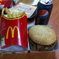 Photo taken at McDonald's by Fernando R. on 2/12/2011