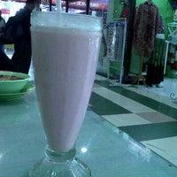 Photo taken at Foodcourt Mall Mesra Indah by chrisna s. on 5/20/2012