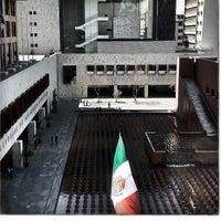 Photo taken at Tribunal Superior de Justicia del Distrito Federal - Juzgados de lo Familiar by Mike H. on 3/17/2012