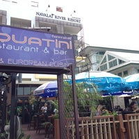 Aquatni Restaurant & Bar