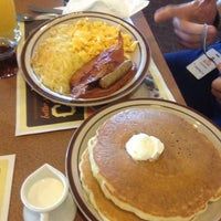 Photo taken at Denny's by Roberto R. on 3/5/2013