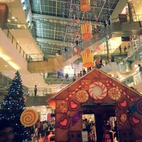 Photo taken at Oberoi Mall by Nnandan S. on 12/31/2012