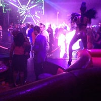Photo taken at Lava Nightclub at Turning Stone Resort Casino by Turgut Ö. on 6/1/2014