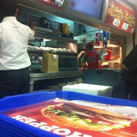 Photo taken at Burger King by Mehmet ✈️ on 10/28/2012