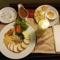 Photo taken at Java Paragon Hotel and Residences by LittlenOOb on 5/3/2016