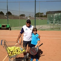 Photo taken at Academia de tenis Tenisport by Helio N. on 10/30/2012