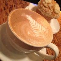 Photo taken at Lola Savannah Coffee Lounge by Manzoorul H. on 10/4/2012