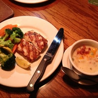 Photo taken at Outback Steakhouse by Kaoru K. on 6/18/2013