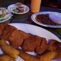 Photo taken at La Ruana Paisa Colombian Restaurant by Enrique R. on 5/7/2016
