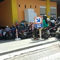Photo taken at ITC Surabaya Mega Grosir by Aditya Pinkawastu P. on 7/3/2016