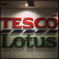 Photo taken at Tesco Lotus by Vladimir P. on 4/3/2013
