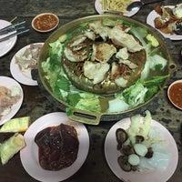 Photo taken at เฉินหลงกุ้งย่าง by kudatarn p. on 6/14/2015