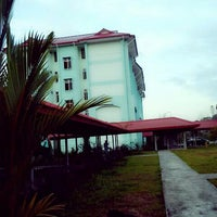 Photo taken at Kolej Sains Kesihatan Bersekutu by Elvyra M. on 2/24/2014