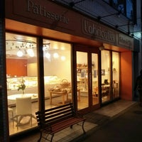 Photo taken at Patisserie l'abricotier by パンとケーキの人 on 3/1/2016