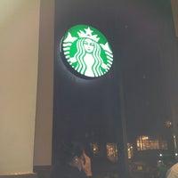 Photo taken at Starbucks by Ermek G. on 8/29/2013