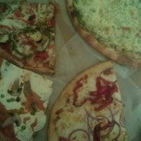 Photo taken at Cafe Viva Gourmet Pizza by Benjamin L. on 9/24/2012