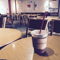 Photo taken at TOM N TOMS COFFEE by Young Jun K.🎗 on 5/2/2016