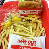 Photo taken at In-N-Out Burger by Marcela R. on 11/29/2012
