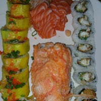Photo taken at Hook's Sushi Bar & Thai Food by Michael NOVA N. on 3/31/2015