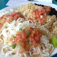 Photo taken at Wahoo's Fish Taco by Gourmand C. on 12/20/2012