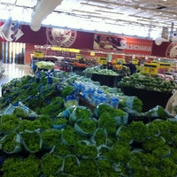 Photo taken at Carrefour by Edgard von Villon Imbó s. on 5/9/2013