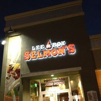 Photo taken at Lee Roy Selmon's by Jay K. on 1/21/2013