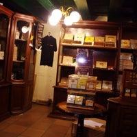 Photo taken at La Casa del Habano by gurdner on 1/8/2016