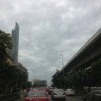 Photo taken at King Taksin Bridge by ✨Nu nok✨ on 9/19/2013
