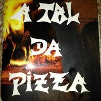 Photo taken at A Tal da Pizza by Carolina P. on 12/7/2012