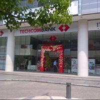 Photo taken at Techcombank - Center Point by Khoa P. on 2/14/2012