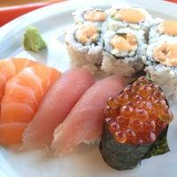 Photo taken at Sashimi Sashimi by Flora Chenchen W. on 9/22/2013