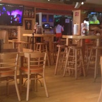 Photo taken at Hooters by Saúl B. on 1/31/2013